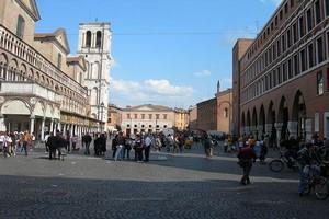 Location de voiture Ferrara